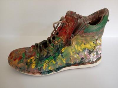 K1024_Ausgediehnter Schuh im neuen Outfit, Celine